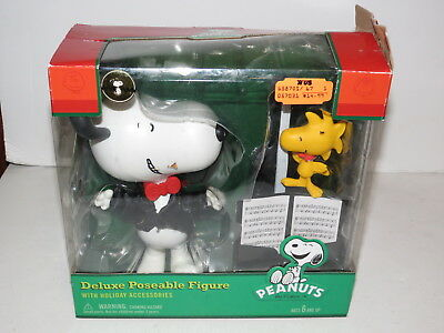 * Mib Peanuts Deluxe Poseable Figure W/ Holiday Accessories *