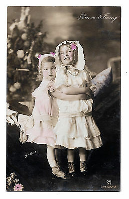 Cpa A28 Hanna & Fanny Little Sisters Victorian Edwardian (Children G. Cooper ?)