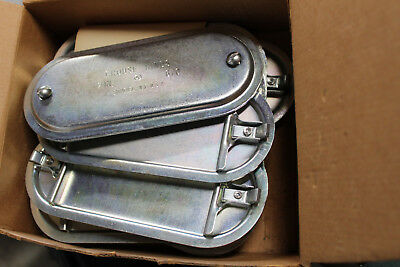 """1 Crouse-Hinds 670 condulet cover 2"""" Obround NIB"""