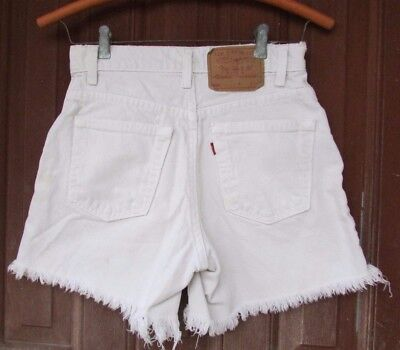 Vtg 70s Womans Levi's 550 White High Waist Frayed Distressed Denim Shorts 5