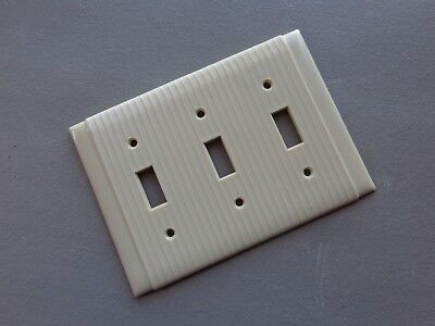 Vtg NOS Mid Century P&S Uniline Ribbed Bakelite Triple Light Switch Plate Cover