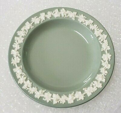 """(1) Wedgwood Queensware 6"""" Dessert Plate Green Made in England Free Shipping"""