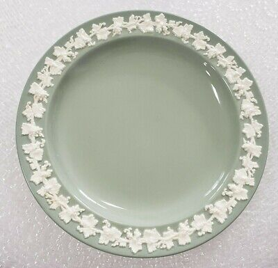 """(1) Wedgwood Queensware 10"""" Dinner Plate Green Made in England Free Shipping"""