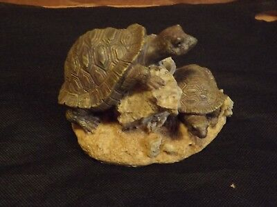 2 Turtle Figurine Excellent Condition Turtles /tortoises
