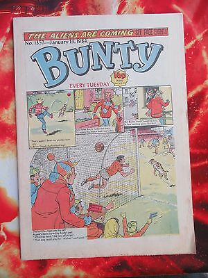 Bunty Comic. 14 Jan 1984 Unsold Newsagents Stock Includes Cut-Out Waldrobe. New