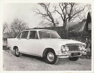 FORD ZEPHYR FOUR DOOR SALOON, CAR REG No.213E PHOTOGRAPH.
