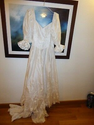 Beautiful individual pure silk wedding dress embroidered/underskirt lined 10/12