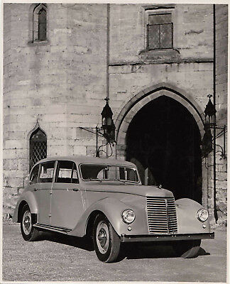 """Armstrong Siddeley """"whitley """" 4 Door 4 Light Saloon, Period Photograph."""