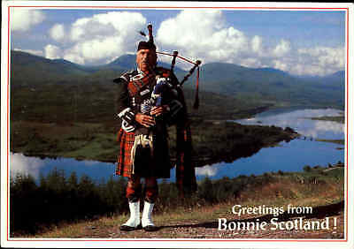Greetings from Bonnie Scotland, Schottland, Pipes, Dudelsack-Spieler, Postcard