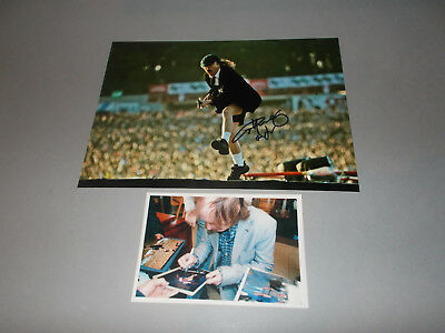 Angus Young AC/DC signed signiert autograph Autogramm auf 20x28 Foto in person