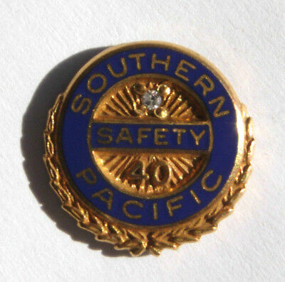 """Southern Pacific Railroad 40 Year """"Safety"""" Service Pin - SP Badge"""