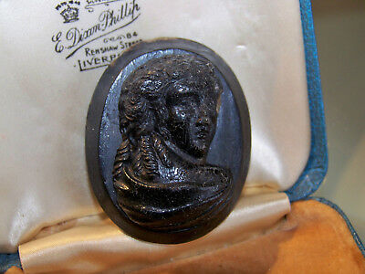 c1880 ANTIQUE VICTORIAN JEWELLERY CARVED JET BOG OAK CAMEO MOURNING BROOCH PIN