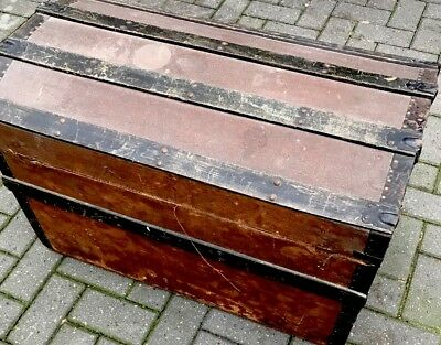 DOME TOP STEAMER CHEST TRUNK ANTIQUE Tray, All Original Rare With Tray & Castors