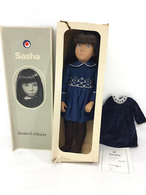 Limited Edition 180 Sasha Light Brown Hair W/ Velvet Dress 1981/3917