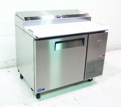 Turbo Air TPR-44SD 44in Pizza Prep Table 6 Pans 14 Cu.Ft 1 Door Cooler
