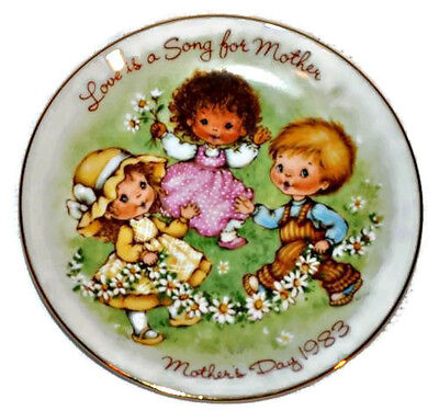 "Vintage AVON Mother's Day 1983 Collectable Porcelain 5"" Plate Love Is A Song"