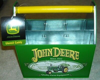 JOHN DEERE TIN UTENSIL / SEWING CADDY - GREAT COLLECTIBLE ITEM  - NICE (c)