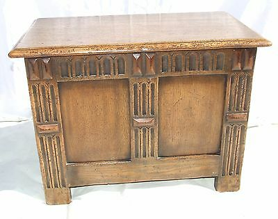 Antique Style Carved Oak Coffer Blanket Box Log Box with Liner Shoe Toy Storage