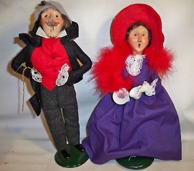 2 BYERS CHOICE Ltd CHRISTMAS CAROLERS 1992 MAN 2004 WOMAN