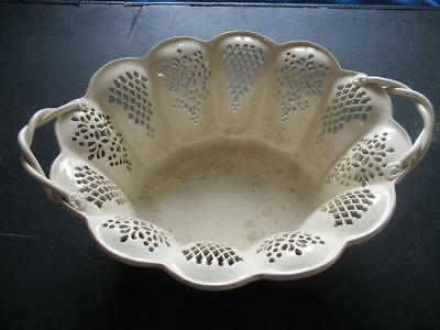 RARE ANTIQUE 18th CENT CREAMWARE SCALLOPED FRUIT BOWL LEEDS DERBY