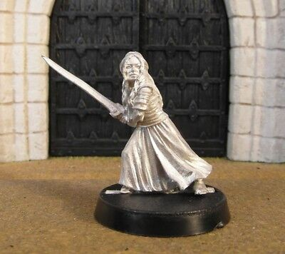 EOWYN IN DRESS - Lord Of The Rings Metal Figure(s)