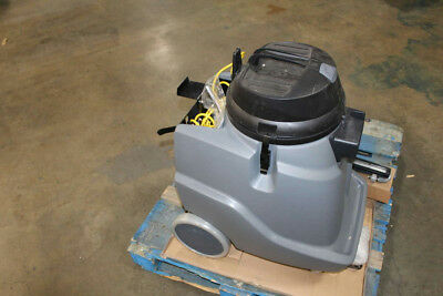Windsor 10130170 Recover 18 Wet/Dry Vacuum w/ Front Mounted Squeegee