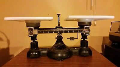 Antique ohaus 10 gram scale with weight set