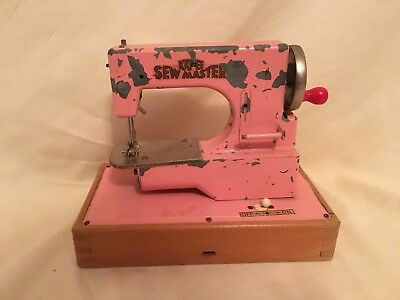 KAYanEE Sew Master Vtg Child's Pink Toy Sewing Machine Made In Germany