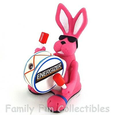 EVEREADY~1991 Squeeze Light~Energizer Bunny~Advertising Flashlight~NEW OFF CARD