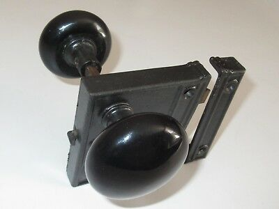 VINTAGE CAST IRON YALE RIM LOCK w/STRIKE PLATE & BLACK PORCELAIN DOORKNOBS(Mint)