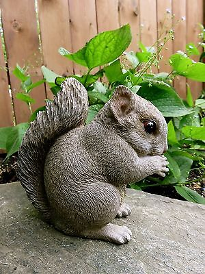 Grey Garden Squirrel Eating Statue Yard figurine Lawn Ornament New PetPals Resin