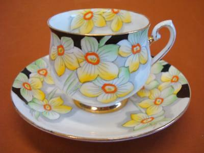 Phoenix Bone China TF+S Hand Painted w Gold Trim Tea Cup and Saucer