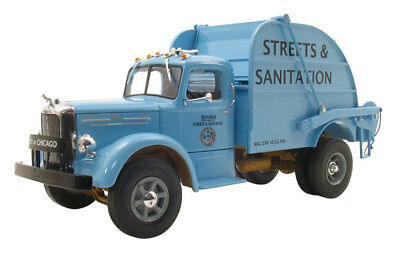 NEW CITY OF CHICAGO VINTAGE 1950's MACK REAR LOAD HEIL GARBAGE TRUCK FIRST GEAR