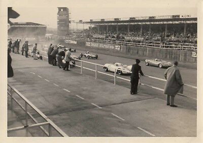THE START OF FORMULE LIBRE RACE, SILVERSTONE 2nd OCTOBER 1965, PHOTOGRAPH.
