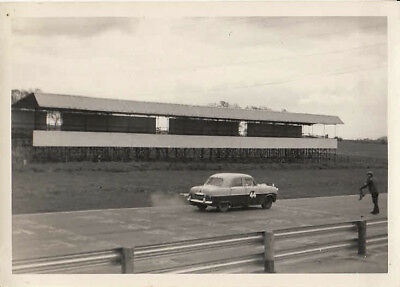 FORD ZEPHYR MK.1. D.F.CLAYTON, SHORT CIRCUIT SPRINTS 9th MAY 1965 PHOTOGRAPH