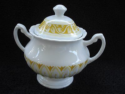 J.& G. Meakin England Classic White/Gold Sugar Bowl With Lid