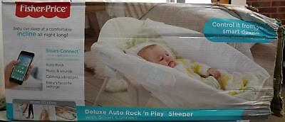 Fisher-Price Deluxe Auto Rock 'n Play Sleeper with Smart Connect, Green