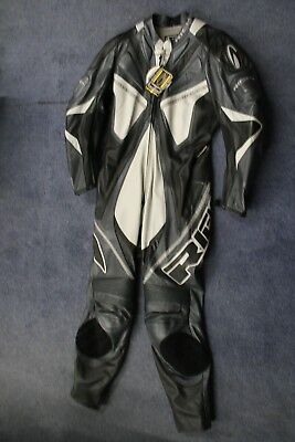 Mens Richa Stealth 1 Piece Black & Silver Motocycle Leather Suit Uk 44 - Uk 46