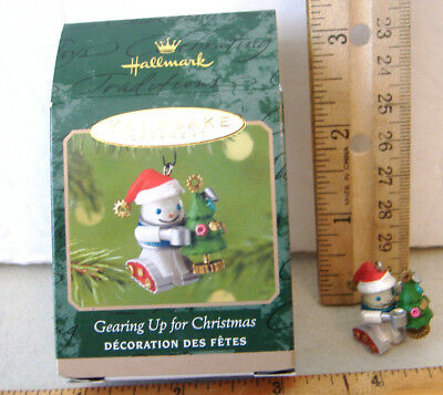 ~Gearing Up For Christmas~2001 Miniature Hallmark Ornament