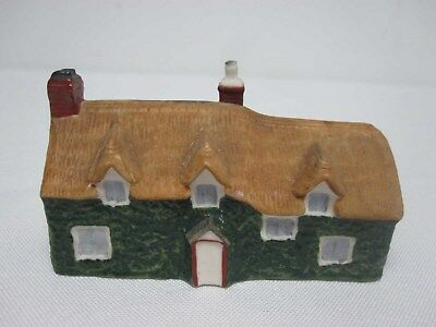 W H GOSS CRESTED CHINA MODEL OF OLD MAID'S COTTAGE AT LEE DEVON HOUSEw Rd#
