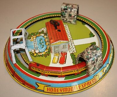 Vintage 1940-50's Marx Windup Tin Lithograph HONEYMOON EXPRESS TRAIN Works!