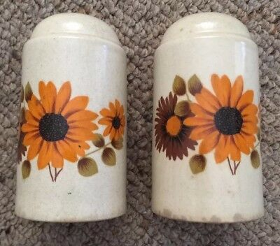 Retro Stoneware Gerbera Salt And Pepper Shaker Set Made In Australia Vintage