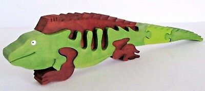 Wooden Iguana Puzzle Stands Up Adorable!