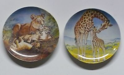 SIGNS OF LOVE COLLECTION >> SET OF TWO(2) >> COLLECTIBLE PLATES    x1