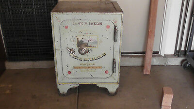 Large Antique Diebold Safe Ready use as is or restore.