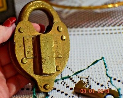 ANTIQUE Brass Heart Shaped B&O Baltimore & Ohio Fram Padlock and Key #828