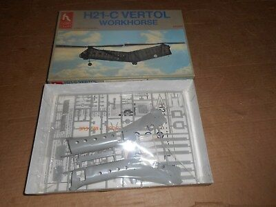 Hobby Craft H21-C Vertol Workhorse MIB Model Kit