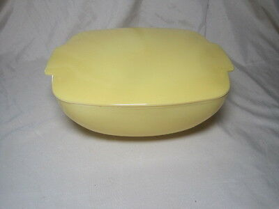 MIDCENTURY  Pyrex B-40 Yellow Covered Square Casserole Dish 2 1/2 QT Lid