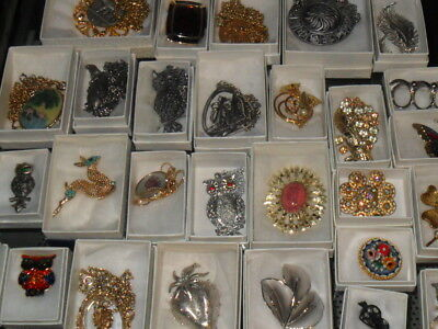 Vintage Estate Lot of Costume Jewelry with Boxes 29 peices