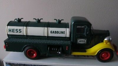 1982 The First Hess Truck In Original Box with RED Switch NEAR MINT CONDITION